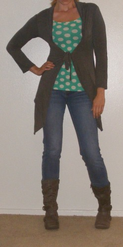 Faded Skinny Jeans & Green Polka-Dot Top